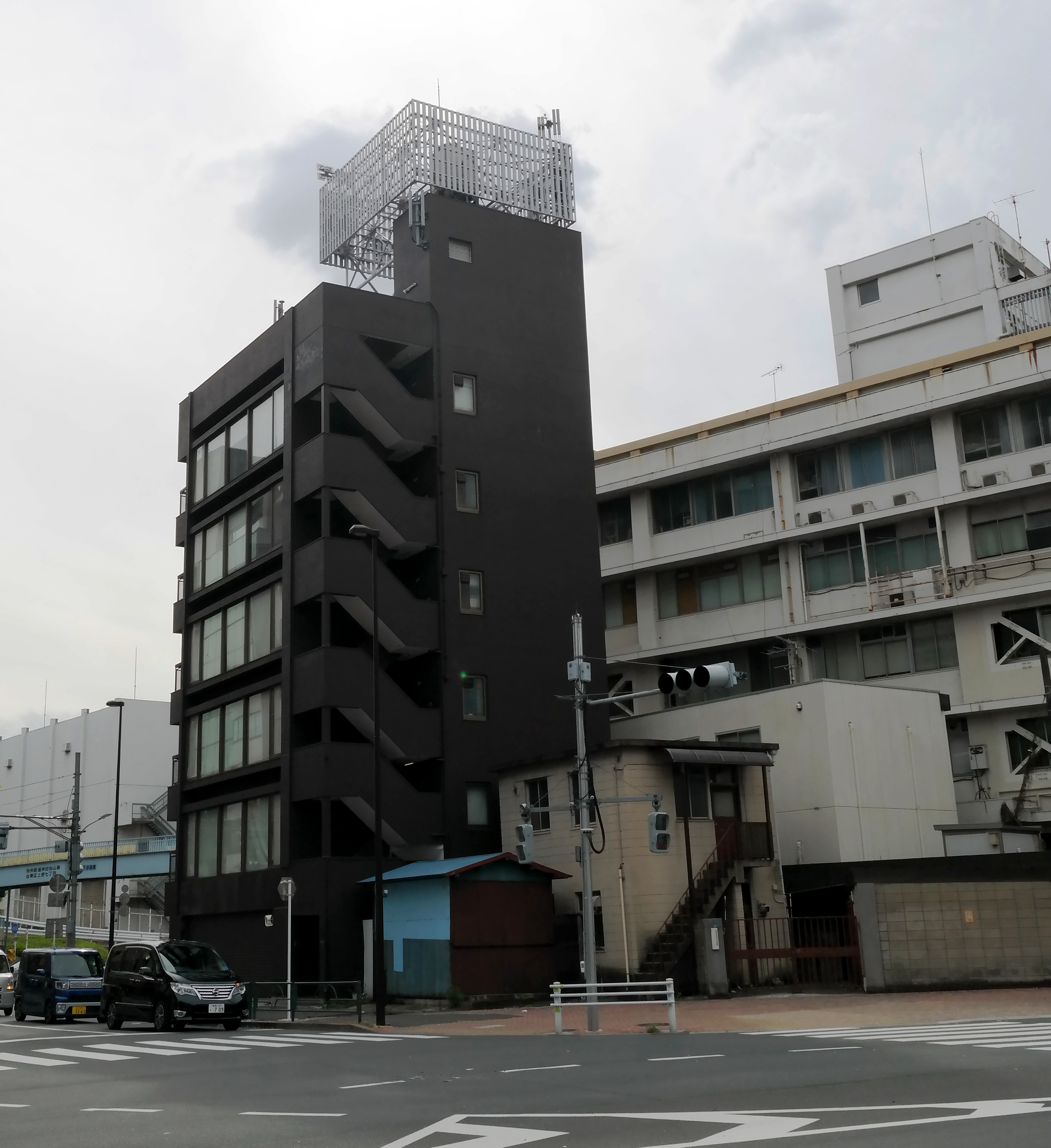Example of Tokyo architecture by Kirsten Bukager