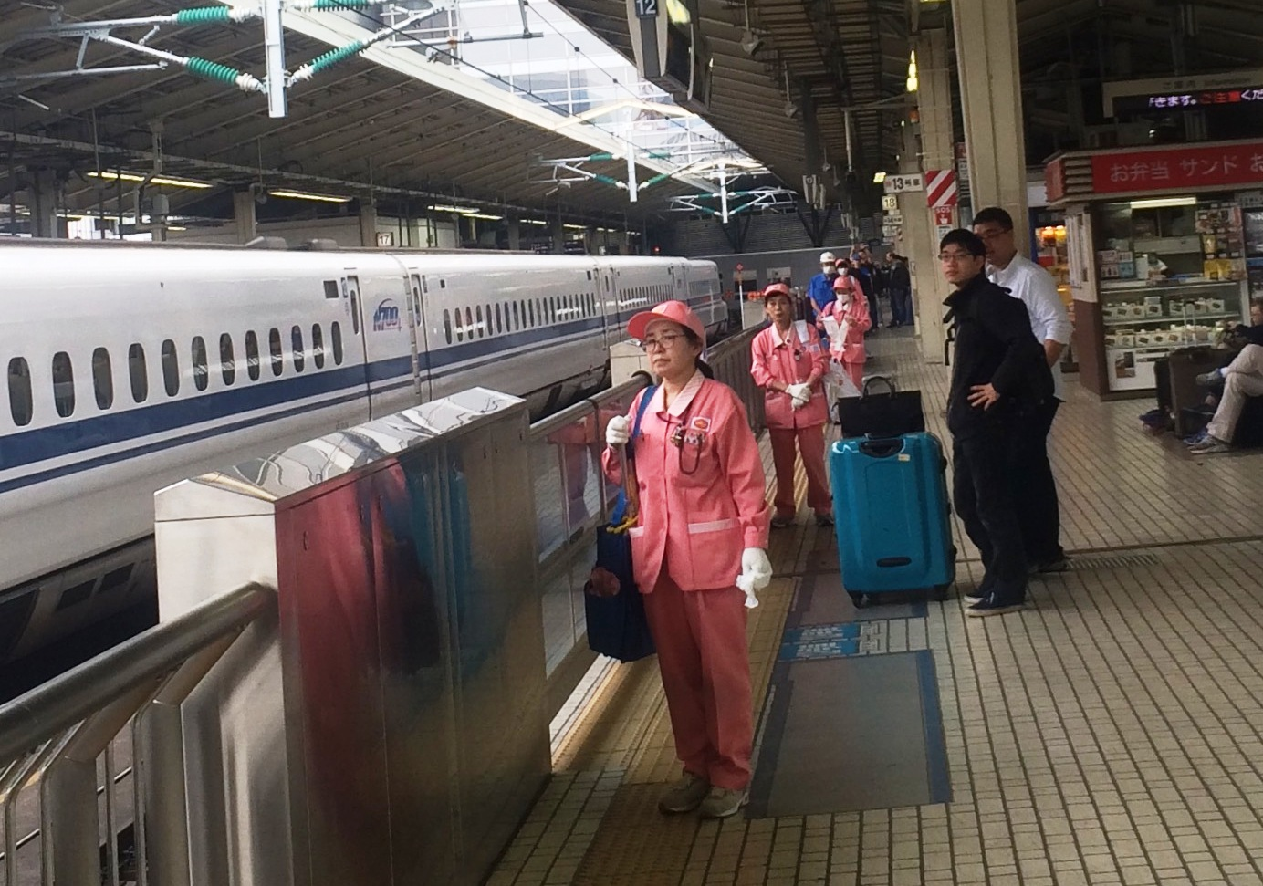 shinkansen cleaners by kirsten bukager